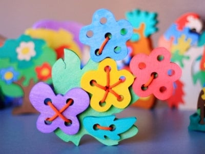 Wooden Flower Lacing Toy
