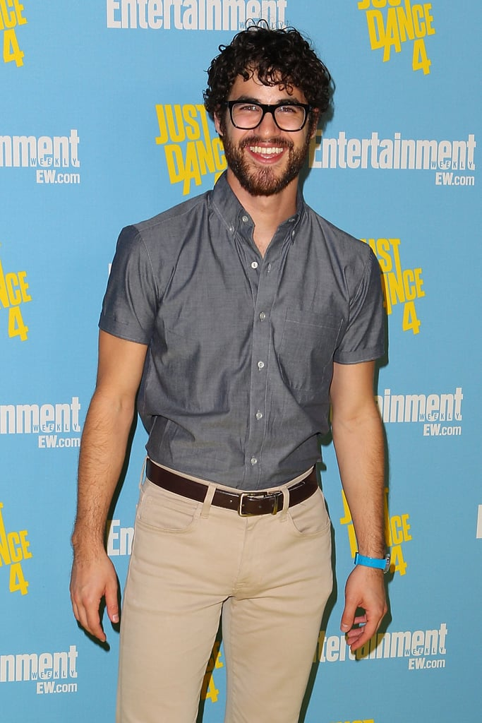 Darren Criss sported glasses and facial hair for the 2012 convention.