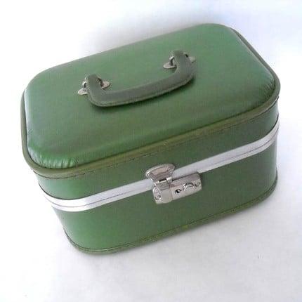 Vintage Avocado Green Makeup Train Case ($29)