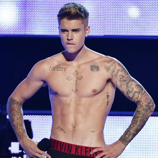 Justin Bieber Shirtless During Fashion Rocks | Photos