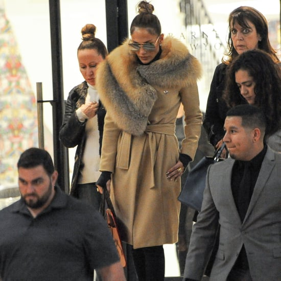Jennifer Lopez Wearing a Wrap Coat With a Fur Collar 2016