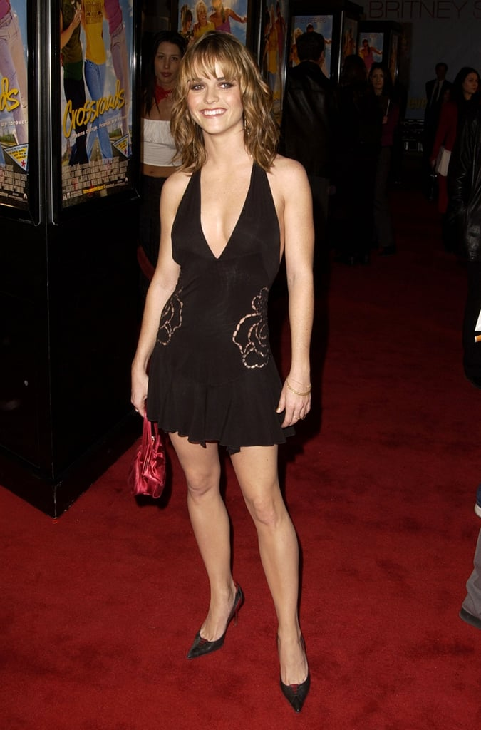 Taryn Manning showed a little leg.
