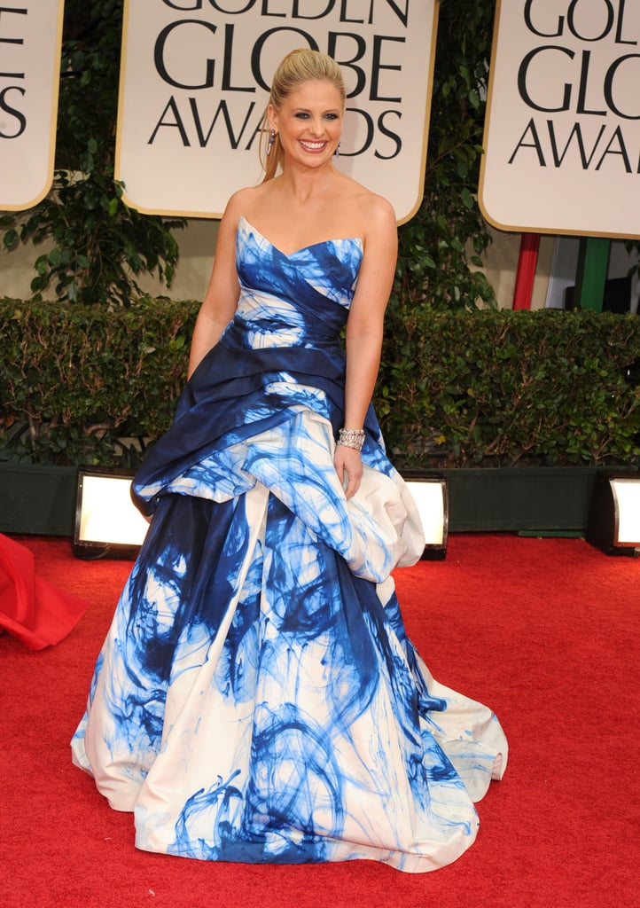 Sarah Michelle Gellar showed off her blue and white dress on the red carpet at the 2012 Golden Globe Awards.