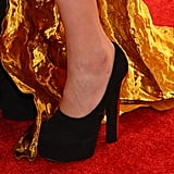 Constance Jablonski wore black pumps.