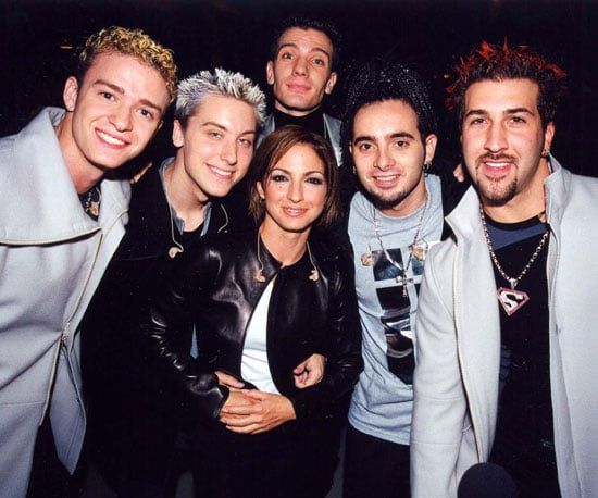 'N Sync posed backstage with Gloria Estefan at the 1999 Teen Choice Awards.