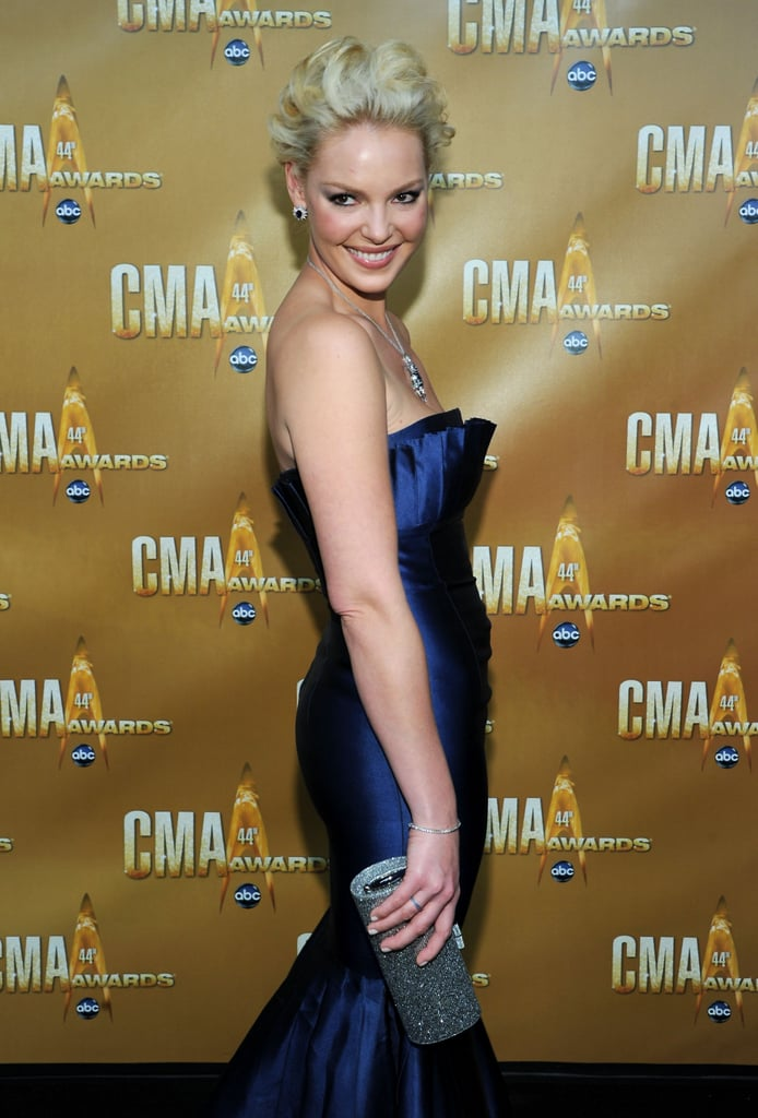 Celebrities on the 2010 Country Music Awards Red Carpet