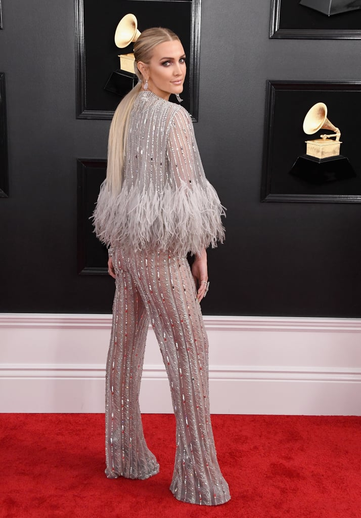 db061bbece Ashlee Simpson got groovy on the Grammy Awards red carpet Sunday night. The  singer wore
