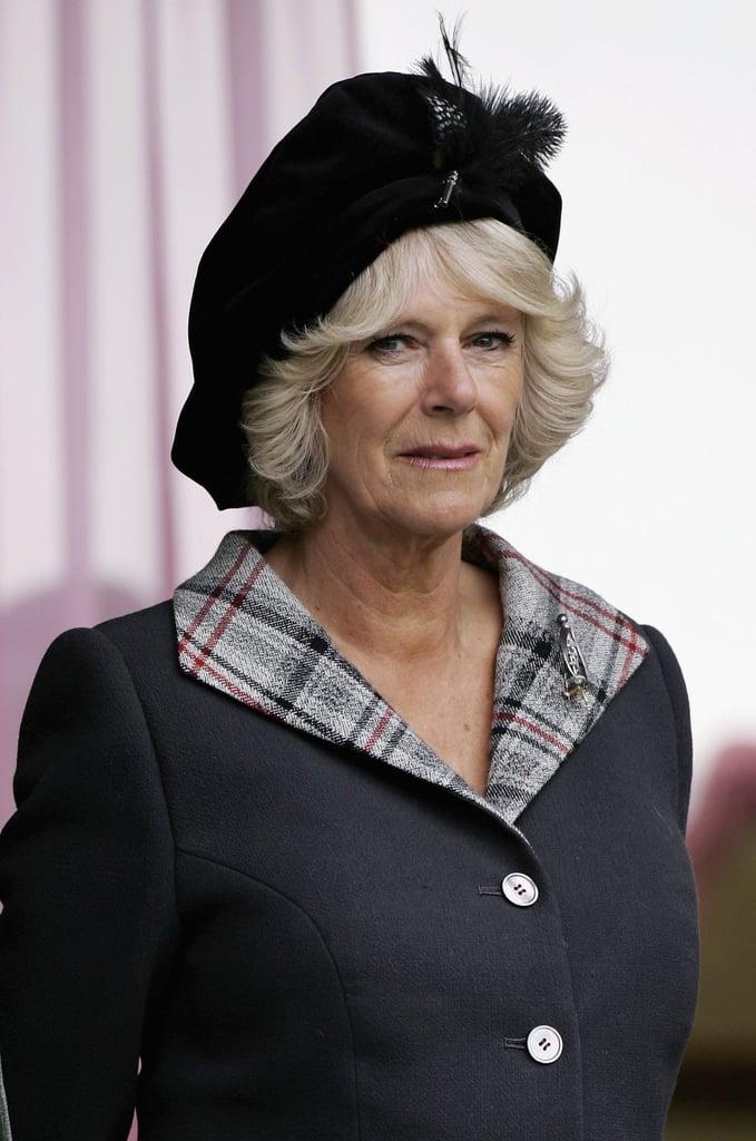 كاميلا بقبّعة سوداء من تصميم تام أوشانتر في مهرجان مباريات بريمار عام 2006.
