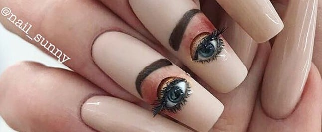 Blinking Eyeball Nails Exist, and I Already Give Up on This Year
