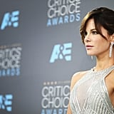 The 2016 Critics' Choice Awards featured a stunning metallic appearance bu the actress.