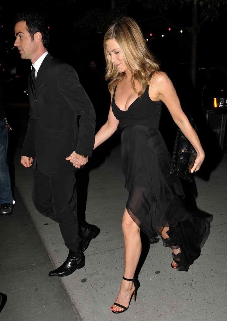 Jen was rocking the classic combination of an LBD and classic heels all the way back in 2011, when she stepped out with Justin on date night.