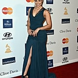 Jordin Sparks showed off some leg in a marine-blue gown, complete with ladylike lace trim and a sexy slit.