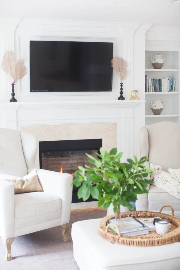 Living room cape cod style decor popsugar home photo 2 - Cape cod decorating style living room ...