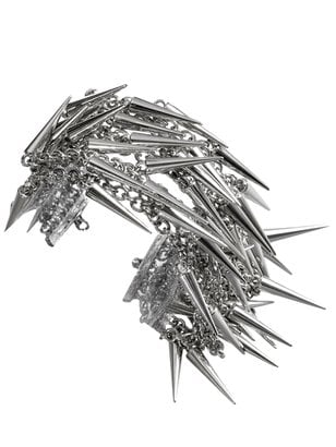 Spiked Jewelry: Popular Fall Accessories Trend