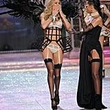 Doutzen Kroes blew a kiss to Rihanna at the Victoria's Secret Fashion Show.