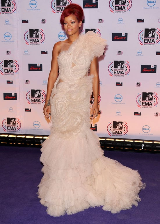 Pictures of Rihanna at MTV EMAs