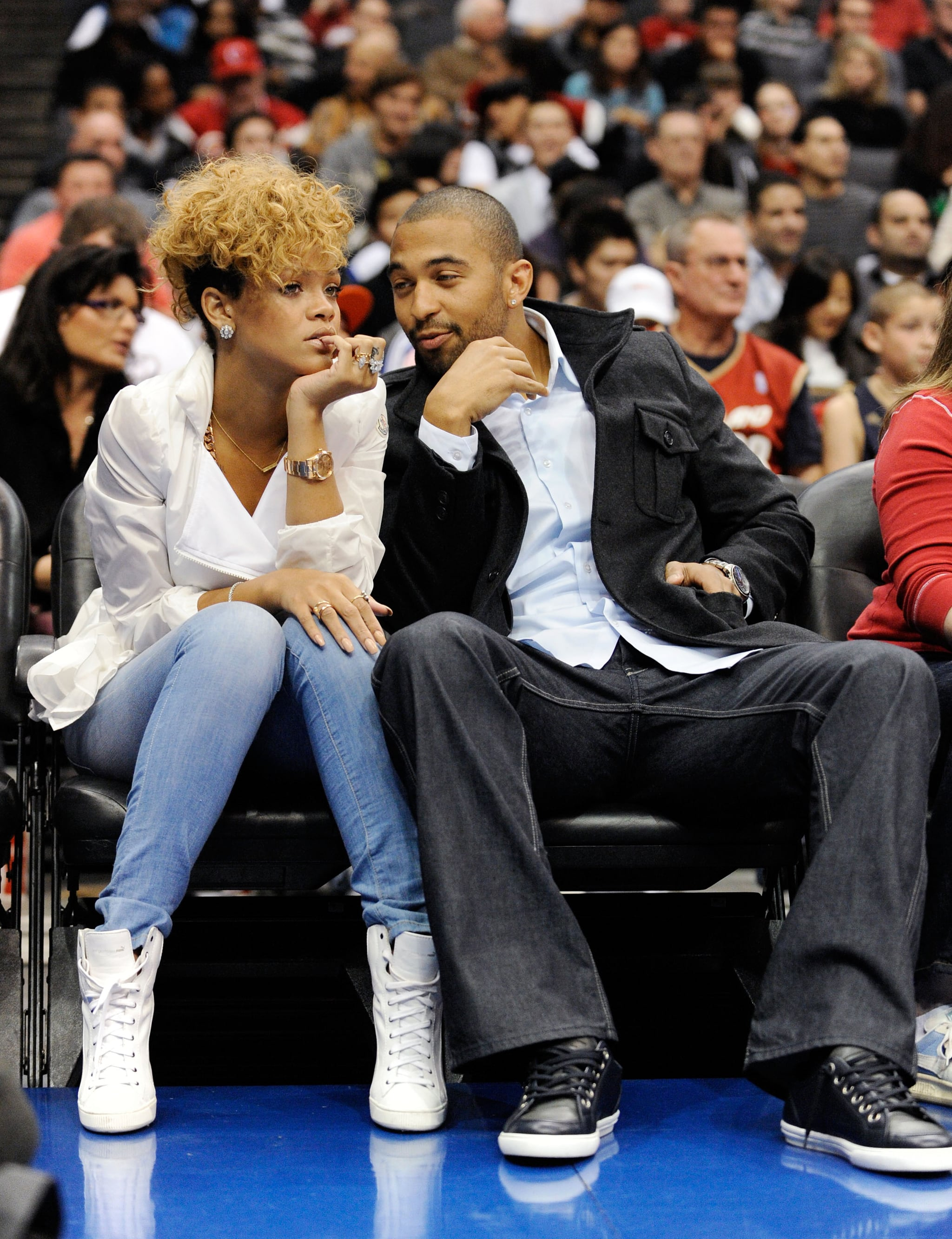 Rihanna And Matt Kemp At A Lakers Game  Popsugar Celebrity-9669