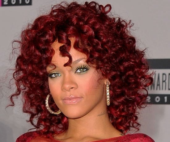 Rihanna Gets into the Christmas Spirit and Wears Red Spiral Curls and Green Eyeshadow at 2010 American Music Awards