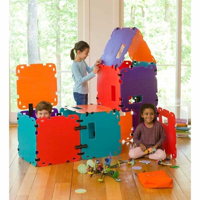HearthSong Plastic Fantasy Fort Building Kit