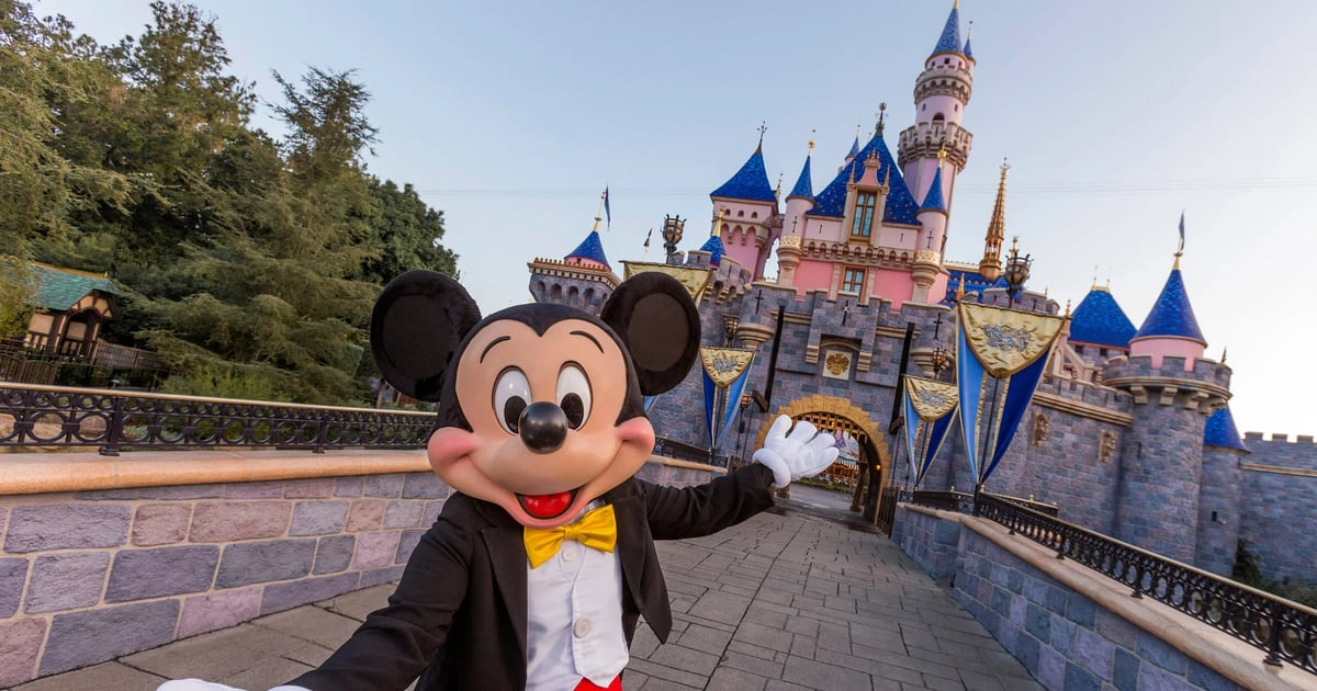 5 Calm Rides at Disneyland For When Your Kids Need a Breather