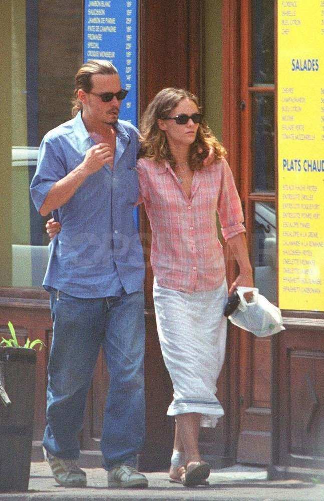 The couple strolled arm in arm around St.-Tropez in 2000.