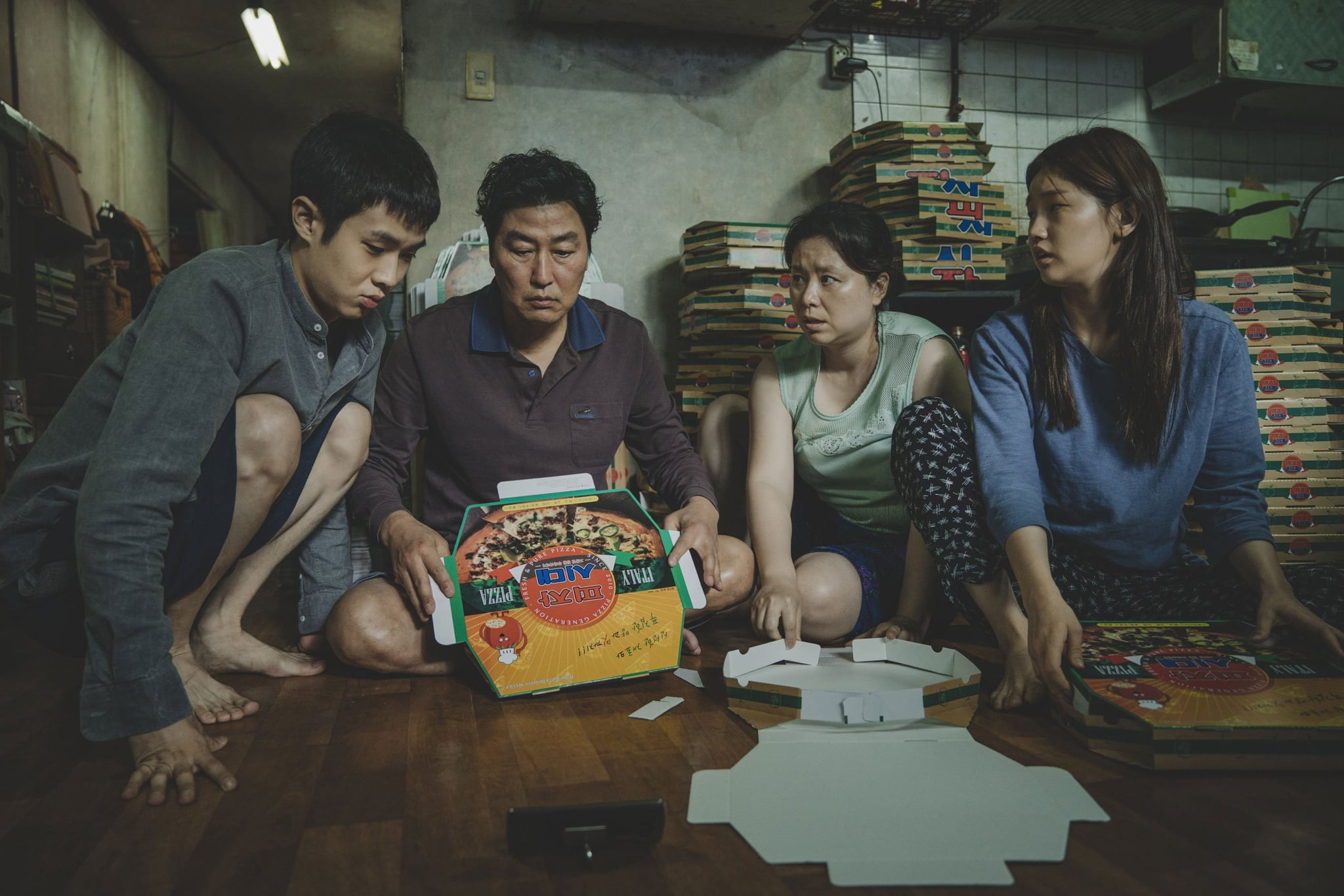 PARASITE, from left: CHOI Woo-sik, SONG Kang-ho, JANG Hye-jin, PARK So-dam, 2019.  Neon / courtesy Everett Collection