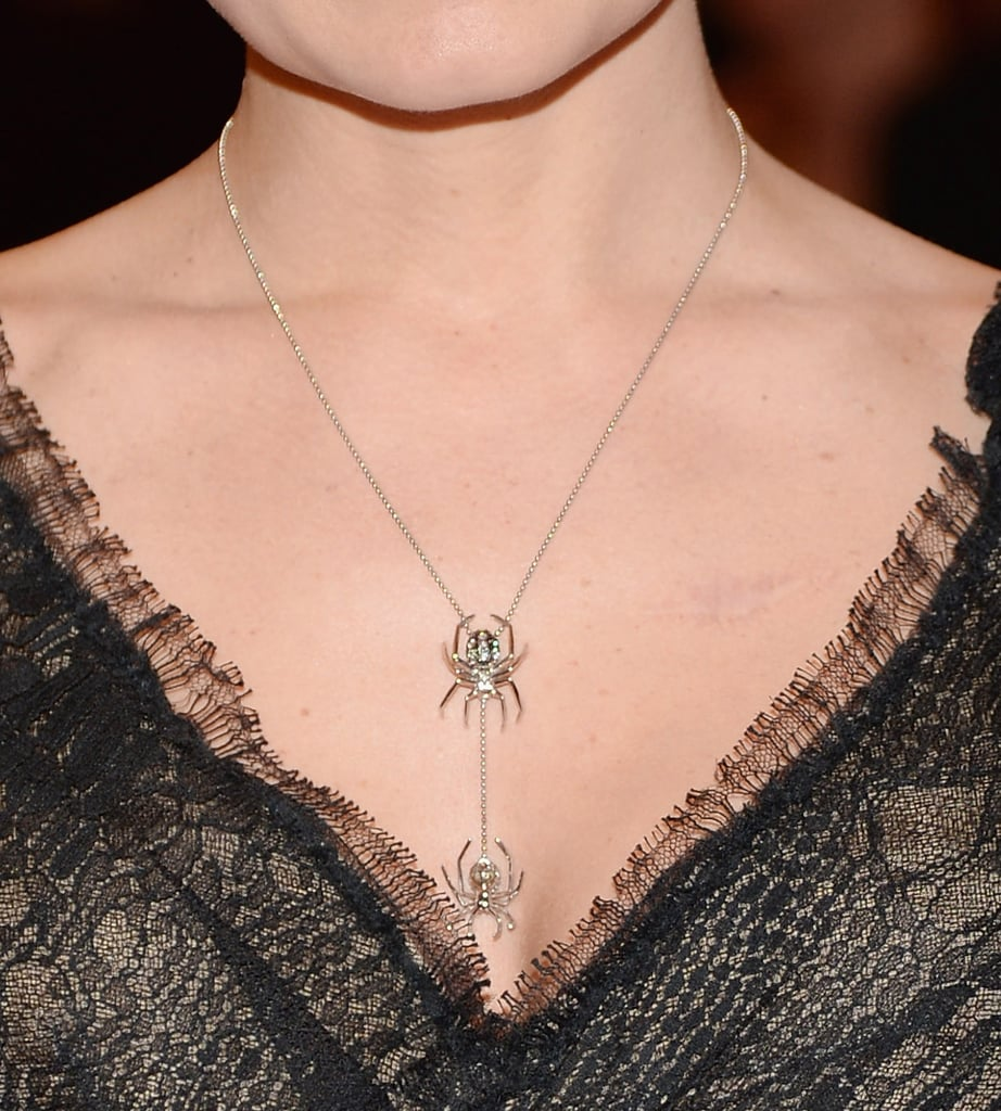 Jennifer Morrison wore a necklace by J.Herwitt.