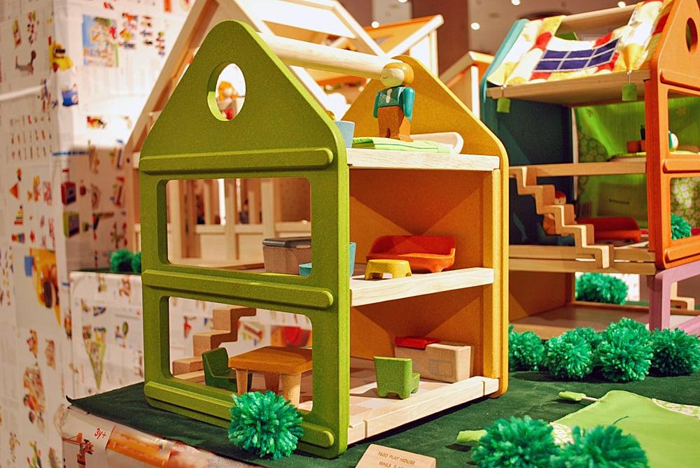 Plan Toys Dollhouse