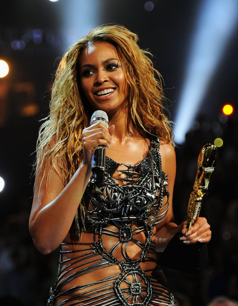 Beyoncé Thanks Jay-Z, Justin Kisses Selena, and Britney Duets With Nicki at the Billboard Awards!