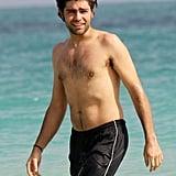 Adrian Grenier Has Some Shirtless Fun in the Miami Sun