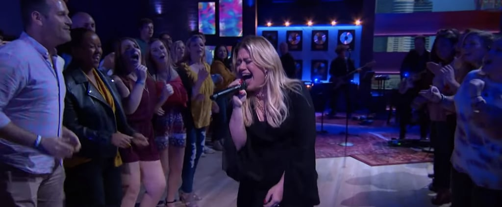 "Kelly Clarkson Covers ""Uptown Funk"" by Bruno Mars 