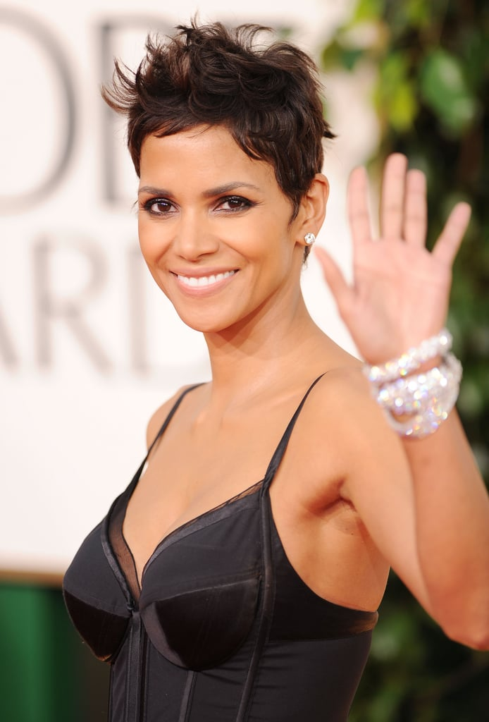 Halle Berry Goes Short and Sexy For Her Golden Entrance!