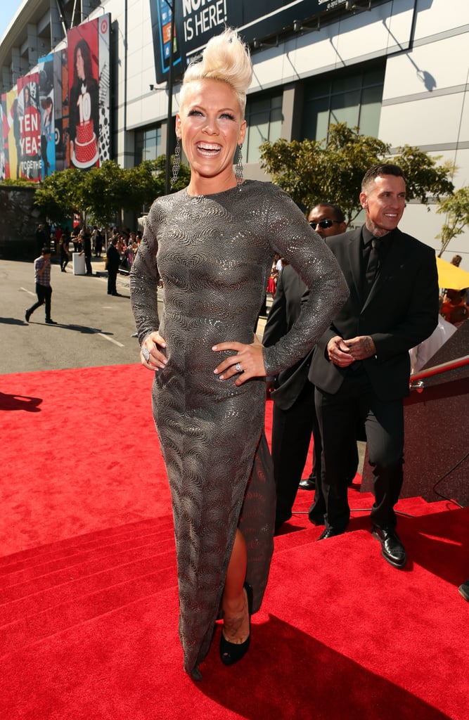 Pink looked great in a silver Stella McCartney gown.