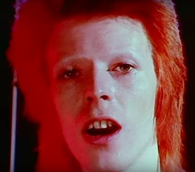 David Bowie S Best Hair And Makeup Looks Popsugar Beauty