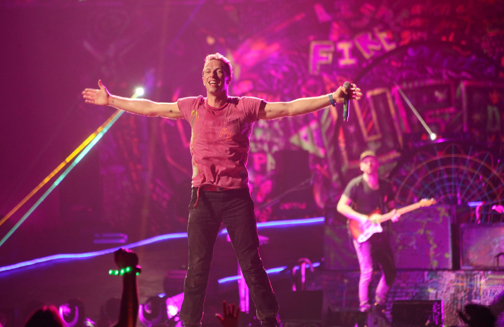 Coldplay opened the NYE show.