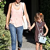 Jessica Alba and Honor Warren both carried a purse.