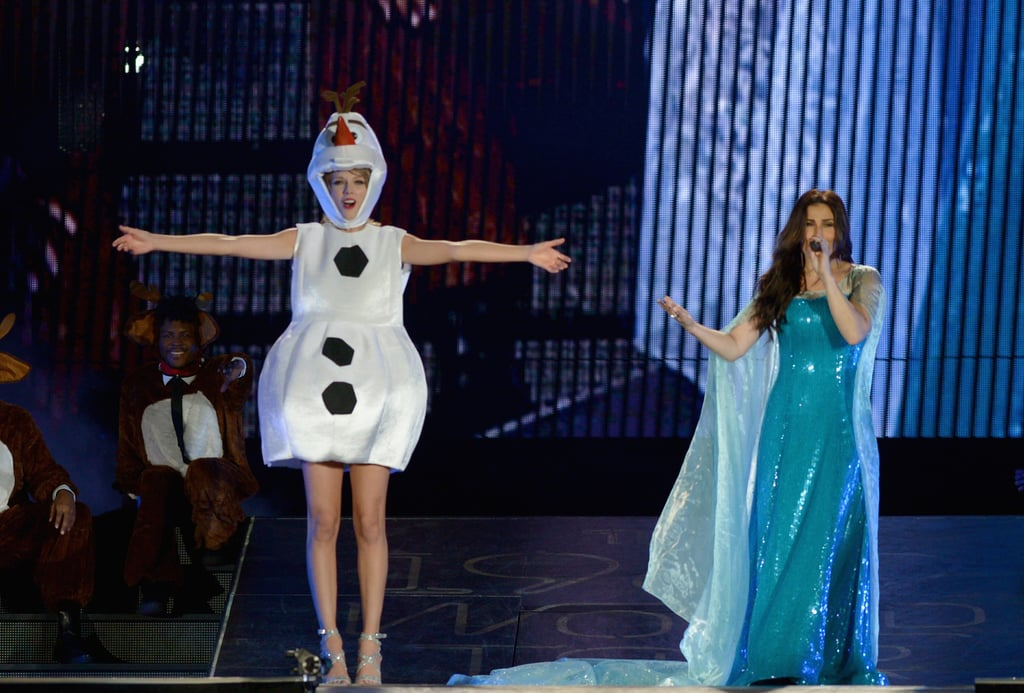 Taylor Swift Dressed Up as Olaf From Frozen