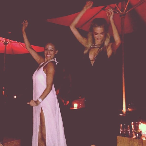 Jennifer Hawkins danced up a storm with friends while on her honeymoon in Bali. Source: Instagram user jenhawkins_