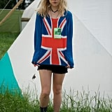 She even does festival style well! At Glastonbury in 2013, Suki got patriotic.