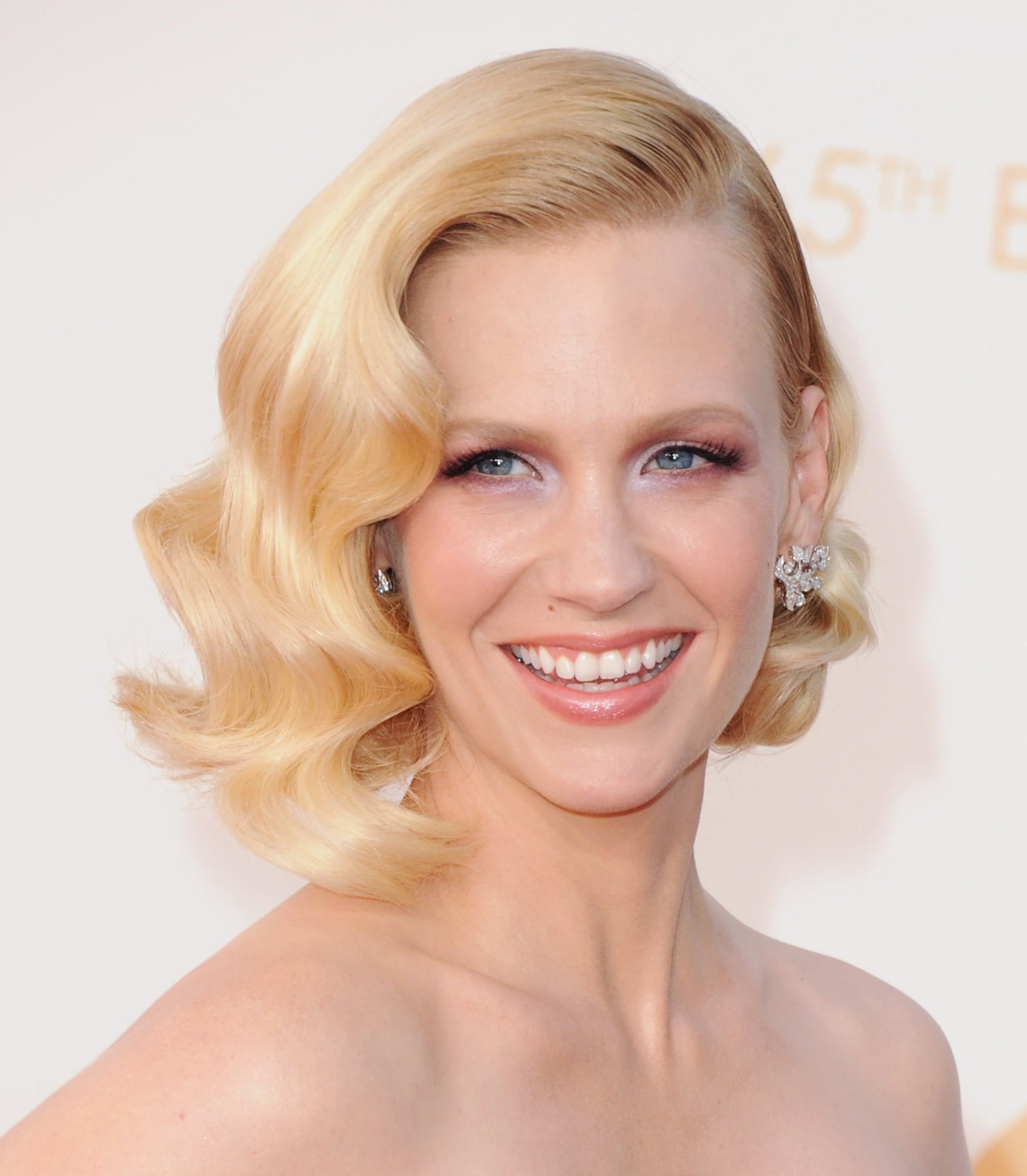 Her role on Mad Men has afforded January the opportunity to try out a bevy of vintage hairstyles, but these brushed-out, glossy waves at the Emmy Awards were both modern and classic, making them instant winners in our books.
