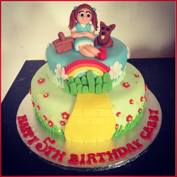 Dorothy And Toto Wizard Of Oz Birthday Cakes Popsugar Family Photo 2