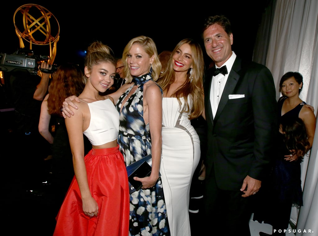 Modern Family's Sarah Hyland, Julie Bowen, and Sofia Vergara got together backstage with their producer Steve Levitan.
