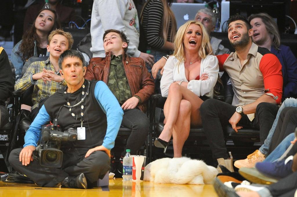 Britney Spears Kissing Boyfriend at LA Lakers Game Nov. 2017