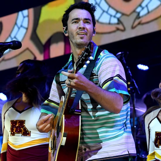Does Kevin Jonas Sing?
