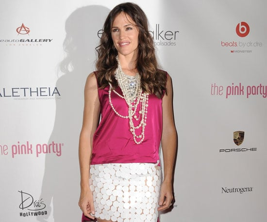Slide Picture of Jennifer Garner at Pink Party in LA