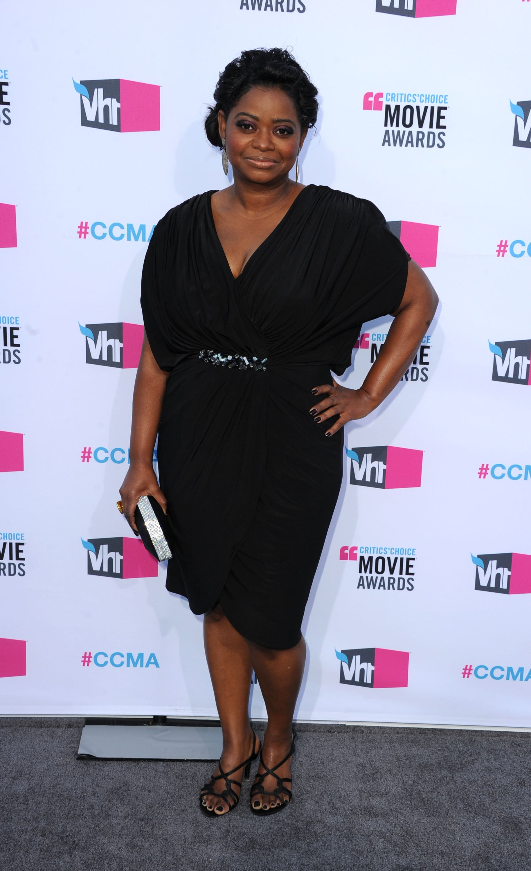 Octavia Spencer smiled on the gray carpet at the 2012 Critics' Choice Movie Awards.