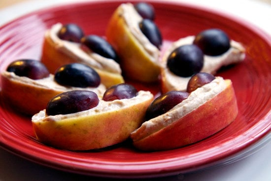 Creamy Peanut Butter Apples With Grapes