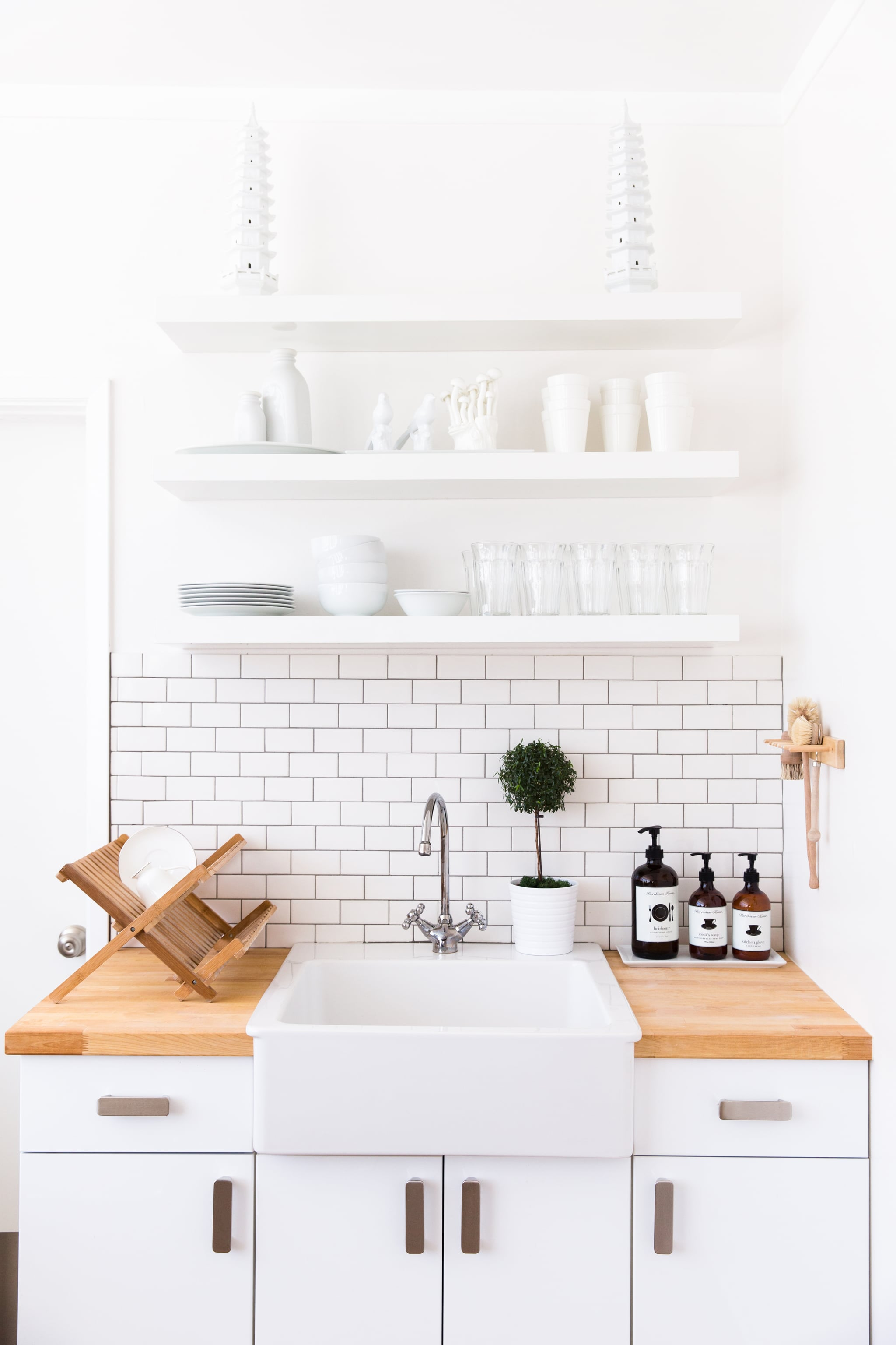 Secret 7 Surfaces The Kitchen And Bathrooms Will Be Your Biggest A Cleaning Guru Reveals The Secrets To A Tidy Home Popsugar Home Photo 9