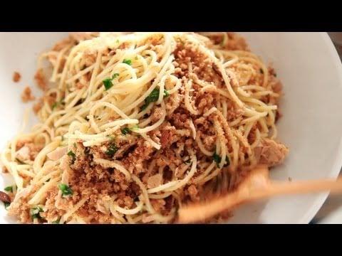 Spaghetti With Tuna, Lemon, and Breadcrumbs