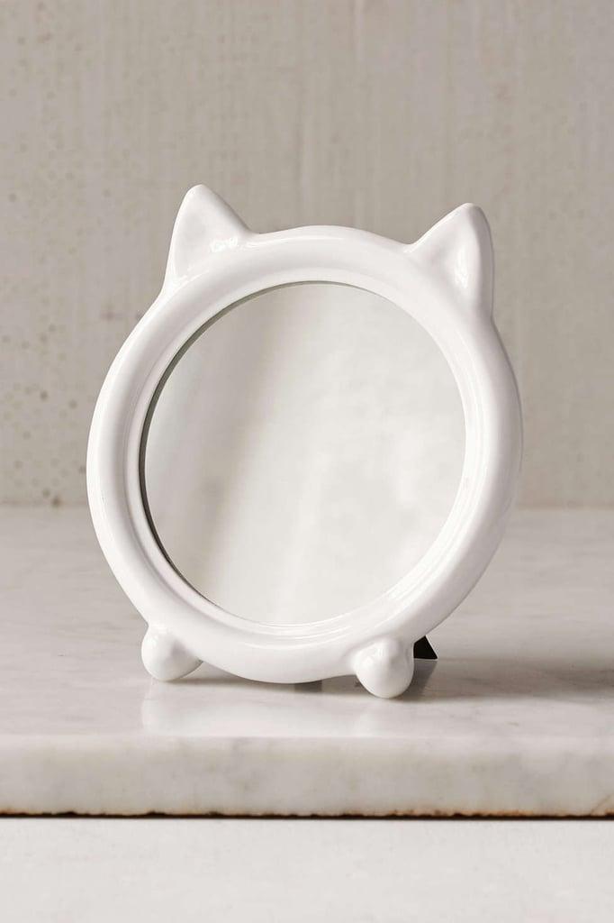 Tabletop cat mirror